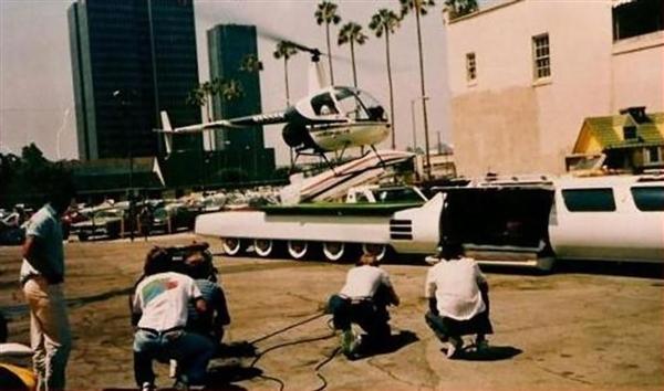 30.5米 车上带泳池 世界最长汽车正在修复中:曾入选吉尼斯