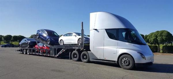5 秒破百 续航近千公里!特斯拉卡车 Semi 已开始上路运输